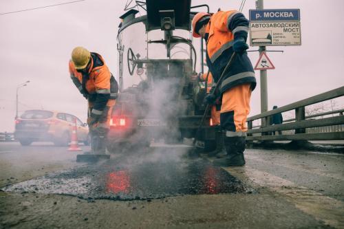 Ямочный ремонт на Автозаводском мосту. Январь, 2020 год
